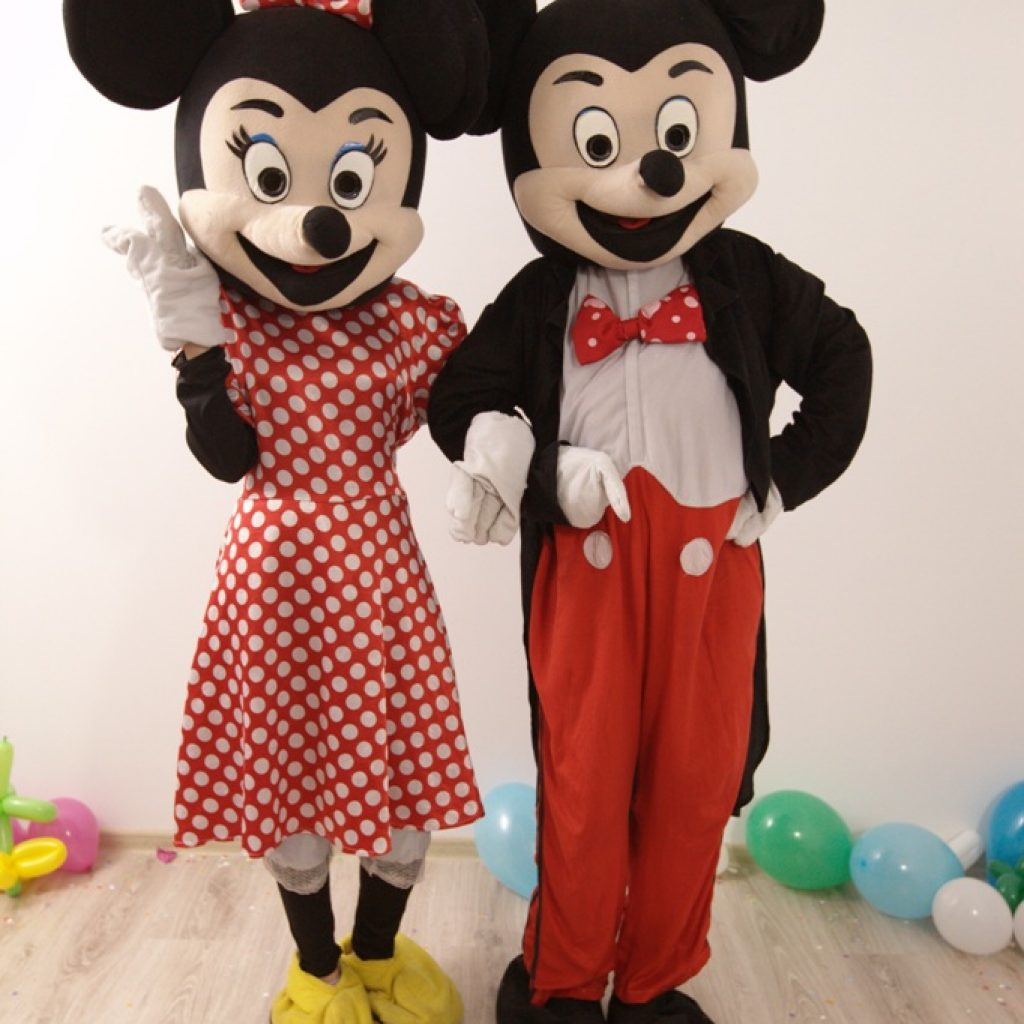 Mickey si Minnie Mouse Mascotele de la Disneyland in Iasi