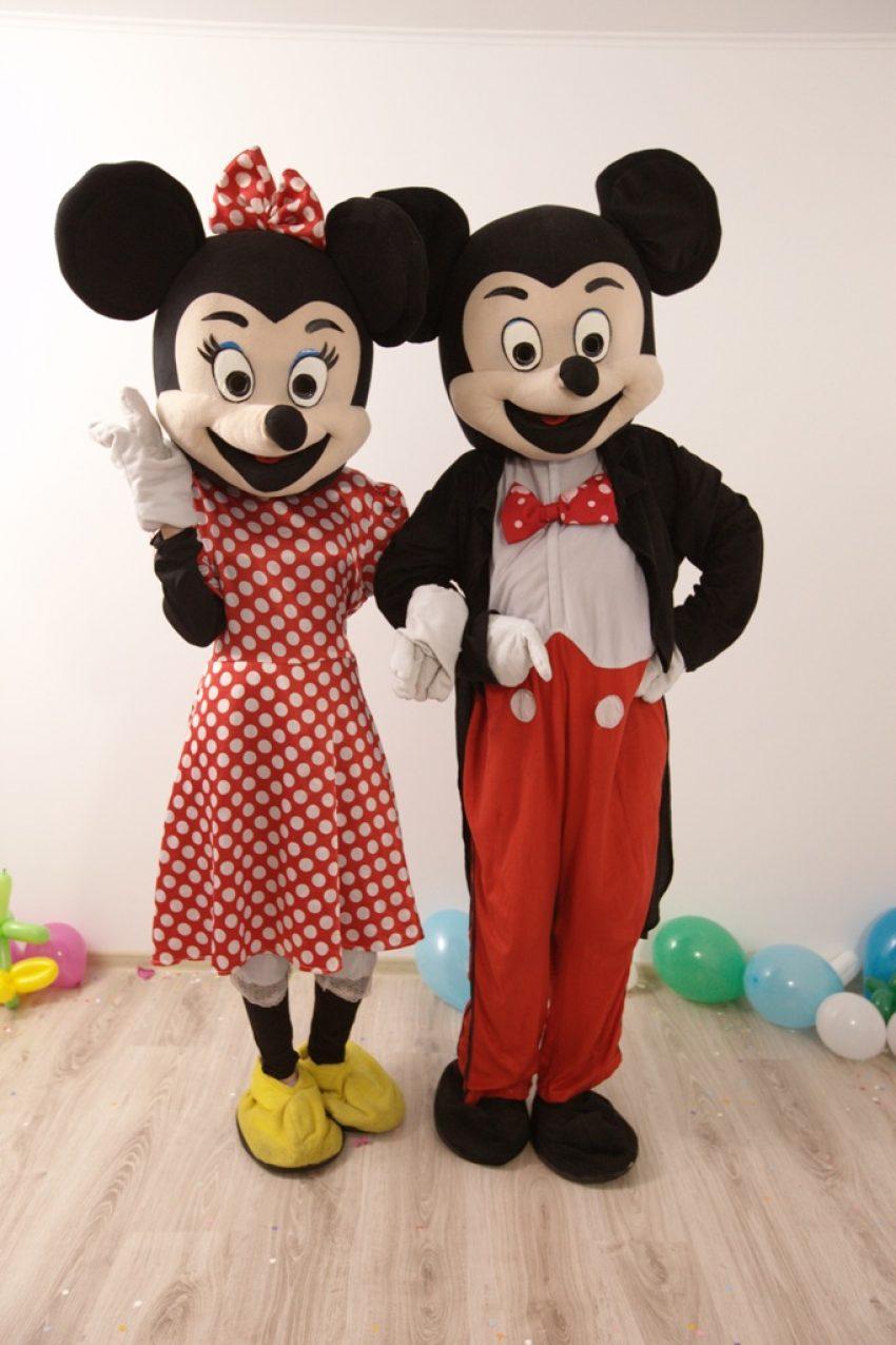 Mickey si Minnie Mouse Mascotele de la Disneyland in Iasi