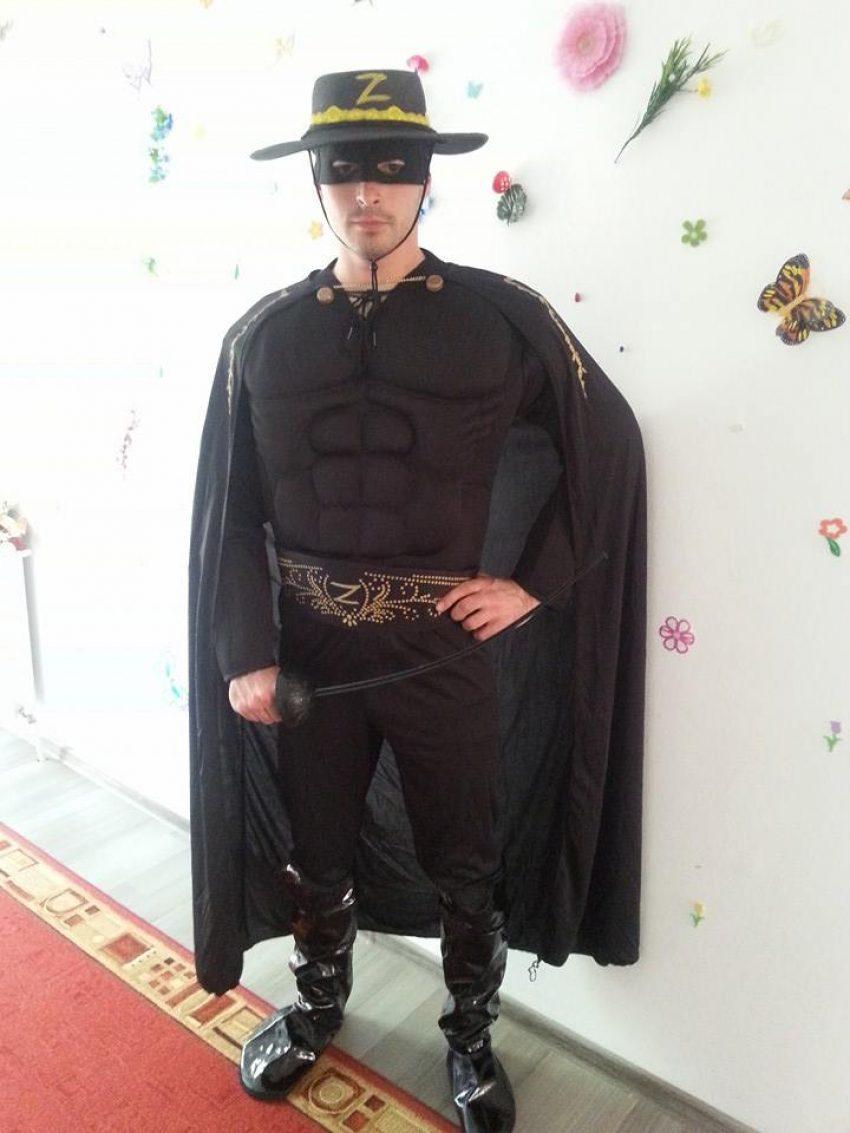 Zorro super erou la petreceri pentru copii in Iasi